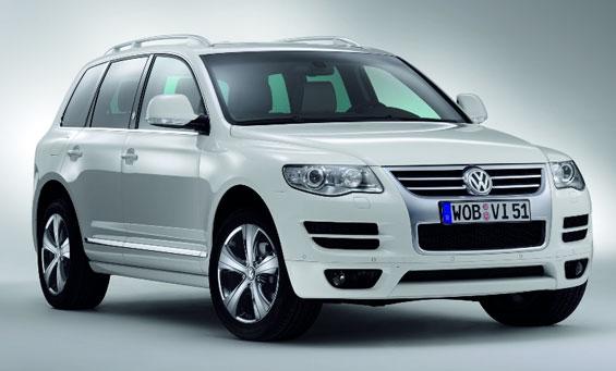 Der VW Touareg muss in die Werkstatt (Bild Volkswagen)