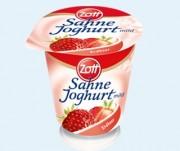 Kann kleine Metallsplitter enthalten: Der Zott Sahnejoghurt (Foto: Zott)