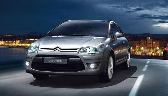 Der Citroën C4 und sein Vetter Peugeot 308 könnten Bremsprobleme bekommen und müssen deshalb mal in der Werkstatt halten (Foto: Citroën)