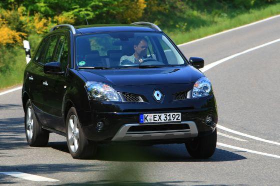 Wegen der Gleichteile-Strategie sind gleich vier Modelle von REnault und Nissan vom Rückruf betroffen, hier im Bild der Renault Koleos (Foto: Renault)