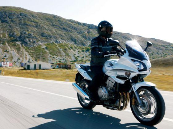 Bei der Honda CBF1000 kann die Hinterradbremse ausfallen (Foto: Honda)