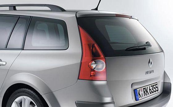 Rückruf: Wegen möglicher Materialermüdung der Dachspoiler-Befestigung muss Renault fast 500.000 Mégane II Grandtour überprüfen.