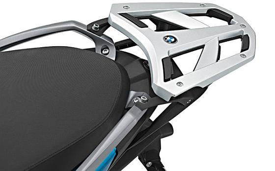 BMW-Rückruf: Die Verschraubung der als Sonderzubehör erhältlichen Gepäckbrücke beim C 650 GT kann durch den Fahrbetrieb an Vorspannung verlieren und sich lösen. (Foto: BMW)