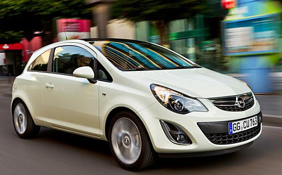 Serviceaktion: Derzeit führt Opel für über 183.000 Corsa einen Anti-Rost-Einsatz für die Motorhaube durch. (Foto: Opel)