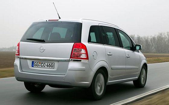 Opel-Rückruf: Bei der Autogas-Variante des Zafira B muss die LPG-Leitung mit einer Hitzeschutzverkleidung ausgestattet werden. (Foto: Opel)