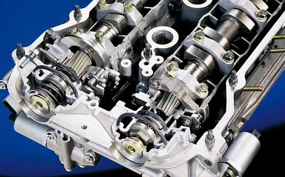 BMW-Rückruf: Die Befestigung der VANOS-Einheit (hier ein älteres Modell von 2000) kann bei R6-Motoren Probleme bereiten. (Foto: BMW)