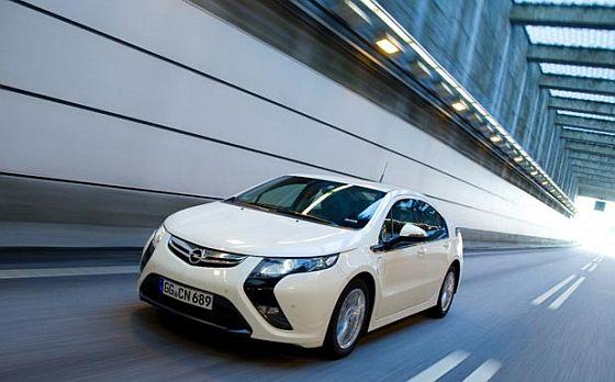 Rückruf: Beim Opel Ampera wird das Tagfahrlicht u.U. bei Fahrten vom Dunkeln ins Helle nicht aktiviert. (Foto: Opel)