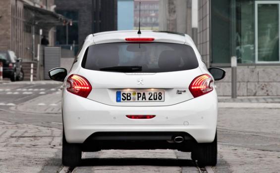 Auf dem Weg in die Werkstatt: Der Peugeot 208 ist gleich von zwei Rückrufaktionen betroffen. (Foto: Peugeot)