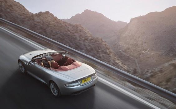 Von dem Aston Martin-Rückruf sind Coupé- und Cabrio-Varianten (im Bild der DB9 Volante) betroffen. (Foto: Aston Martin)