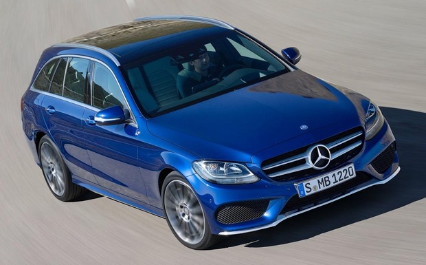 Aufgrund einer unzureichenden Verschraubung des Crashsensors müssen 28 T-Modelle zurück in die Werkstatt. (Foto: Daimler)