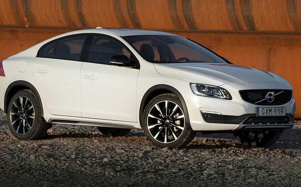 Der Volvo S60 Cross Country gehört zu den vom Rückruf betroffenen Modellen. (Foto: Volvo)