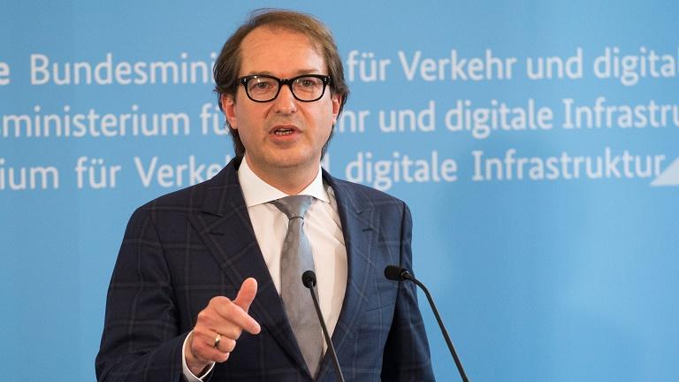 """Minister Dobrindt zum Bericht der """"Untersuchungskommission Volkswagen"""" (Quelle: BMVI)"""