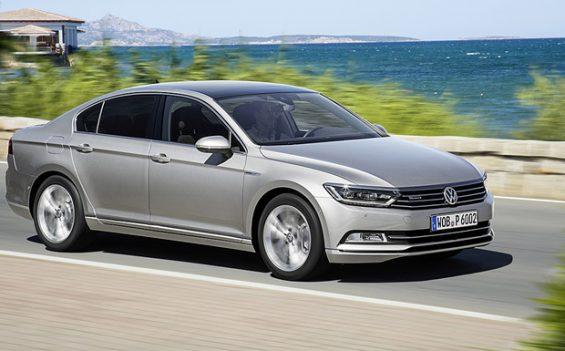 Sind die jetzt genehmigten VW Rückrufe eine erneute Mogelpackung? Anwälte aus Düsseldorf vermuten das. (Foto: Volkswagen)
