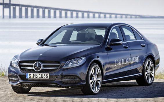 Auch das C-Klasse Plug-In-Hybrid-Fahrzeug braucht unter Umständen einen neuen Onbordlader. (Foto: Daimler)