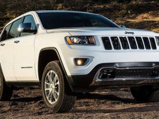 Autos der Marke Jeep (hier im Bild der aktuelle Grand Cherokee) fallen mit besonders vielen Rückrufen auf - darunter auch viele, bei denen Materialfehler und weitere Mängel schwere Unfälle verursachen können. (Foto: Jeep)