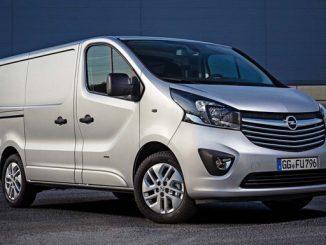 Eine fehlerhafte Verschraubung am hinteren Panhard-Stab kann beim Opel Vivaro zu unsicheren Fahrzuständen führen. (Foto: Opel)