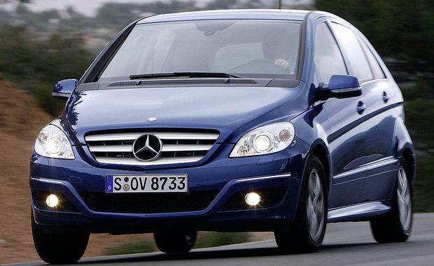 Wegen Problemen mit dem Bremskraftverstärker ruft Mercedes-Benz die A- und B-Klasse (Bild) sowie die Modelle CLA und GLA zurück. (Foto: Daimler)