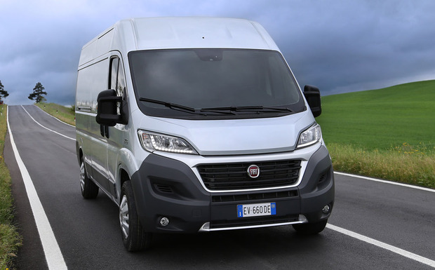 fiat ducato mit falschen reifen ausgeliefert bei. Black Bedroom Furniture Sets. Home Design Ideas