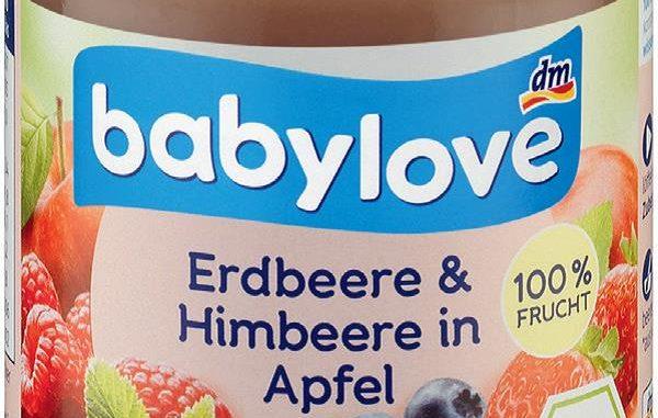 Wegen Rückständen von Chlorathaltigen Reinigungsmitteln, die in der Lebensmittelproduktion genutzt werden, ruft dm drogerie markt babylove Erdbeere + Himbeere zurück. (Foto: dm drogerie markt)